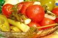 Как приготовить маринованные помидоры с перцем и хреном
