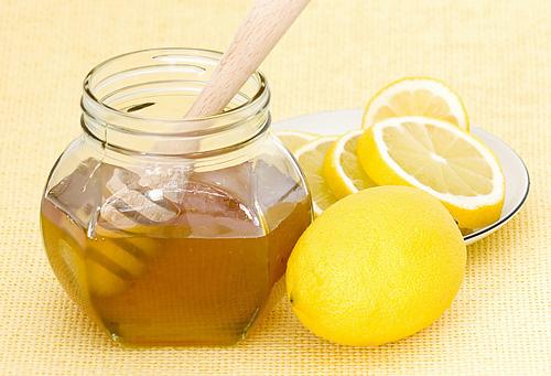 Как приготовить лимонно-медовый витаминный коктейль