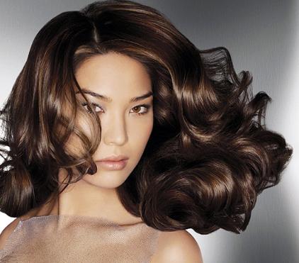 Как можно придать объем волосам
