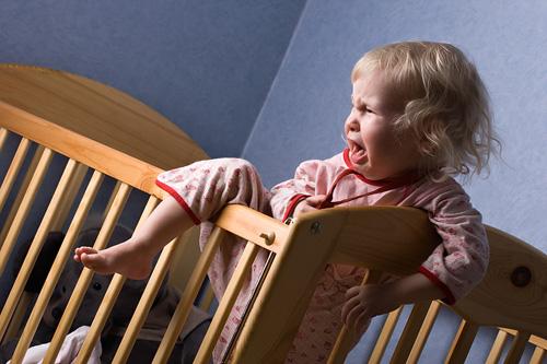 Как отучить ребёнка спать с родителями