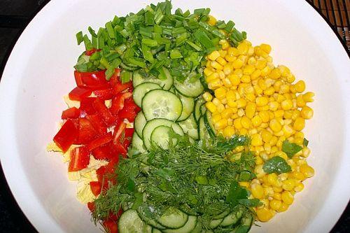 салат из рукколы, авокадо и огурца