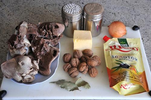Как приготовить салат из свиного сердца