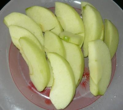 Как приготовить слойки с яблоком