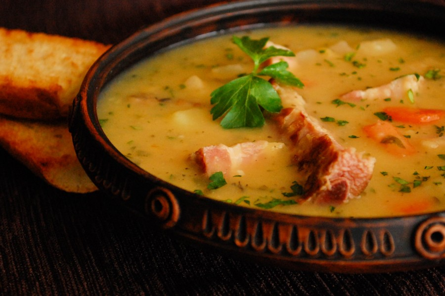 Суп гороховый с копченой грудкой рецепт