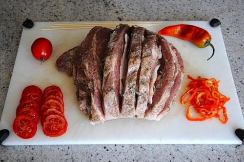 Как приготовить свиную корейку в духовке с гарниром