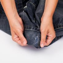 Зашиваем джинсы на попе